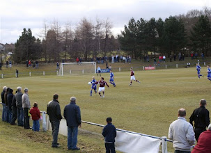 Photo: 06/03/10 v Linlithgow Rose (Scottish Junior Cup Round Q-F) 1-1 contributed by Mike Latham