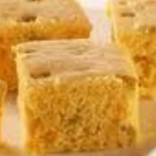 Momma's Cracklin Cornbread.