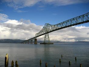 Photo: Astoria'nın bitmez tükenmez köprüsü