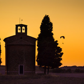 Tuscany - Orcia Valley by Roberto Nencini - Landscapes Sunsets & Sunrises ( orcia valley, deltaplano, val d'orcia, sunset, cypress, cappella vitaleta, tramonto, cipressi )