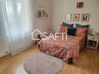 Maison 5 pièces 209 m2