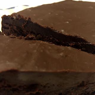 Flourless Chocolate Cake Recipe (Easy, Gluten-Free).