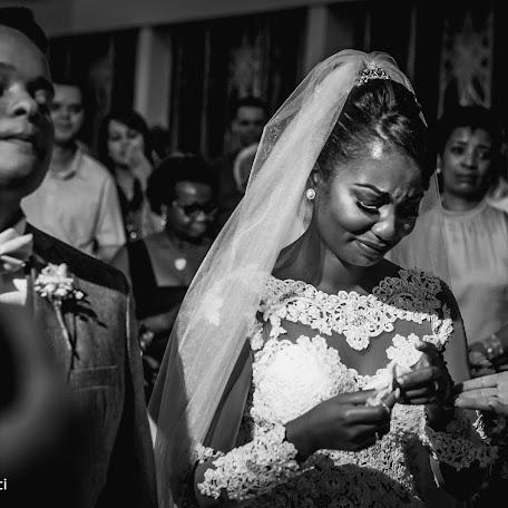 Wedding photographer Leandro Queluci (leque8426). Photo of 04.11.2017