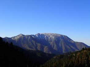 国見峠から伊吹山を望む