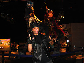 Photo: 2006年07月16日 あべし!  お台場「北斗ミュージアム」 等身大ラオウ像前にて