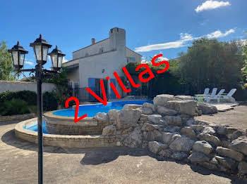 Villa 8 pièces 236 m2