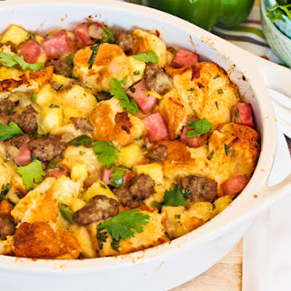 Hawaiian Sweet Bread Stuffing with Sausage and Ham