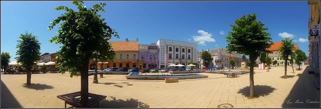 Photo: Turda- Piata Republicii, Nr. 5 - Fosta Judecatorie si Nr. 6 Hotel Potaissa, Nr.7, casa monument istoric, vedere de ansamblu  - 2019.06.30