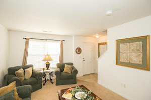 Maple Grove Villas Apartments in West Des Moines Iowa