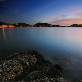 Phuket Beach by Darmal Ali - Landscapes Waterscapes ( sunset, amlbuton, phuket, landscape, nikon )