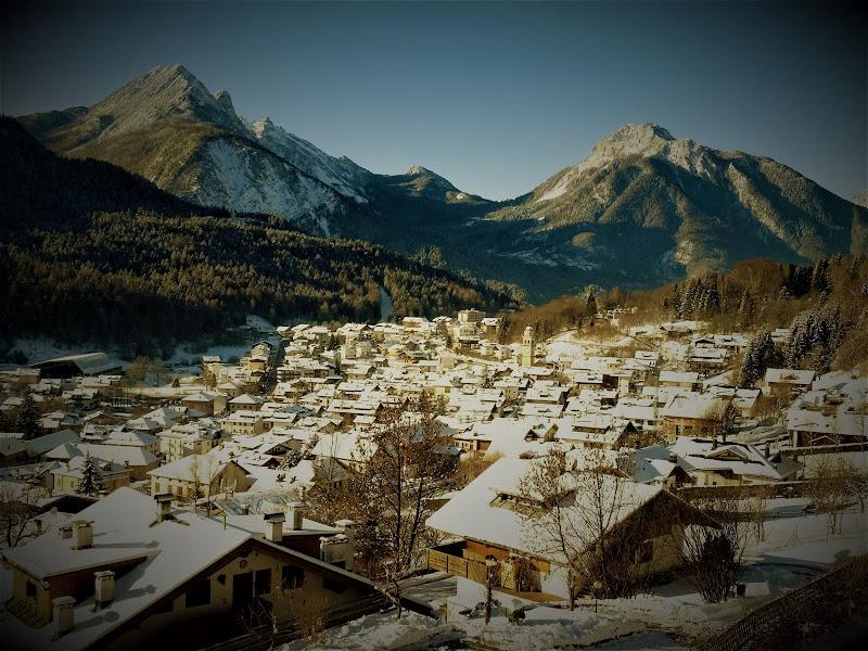 Borgo dolomitico in inverno di lenuccia4