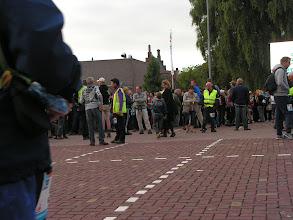Photo: Alle lopers verzamelen op het UNAPLEIN.