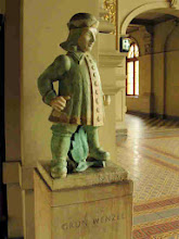 Photo: The wenzel of leaves (Jack of spades) in the station  entrance hall