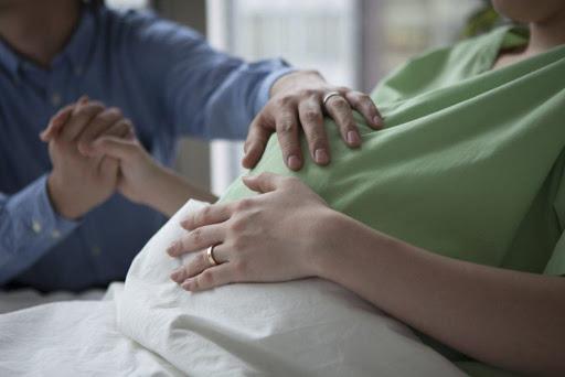 Những điều các ông chồng nên làm nhất để giúp vợ trong cơn chuyển dạ