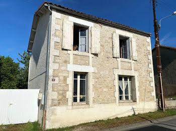 maison à Villefagnan (16)