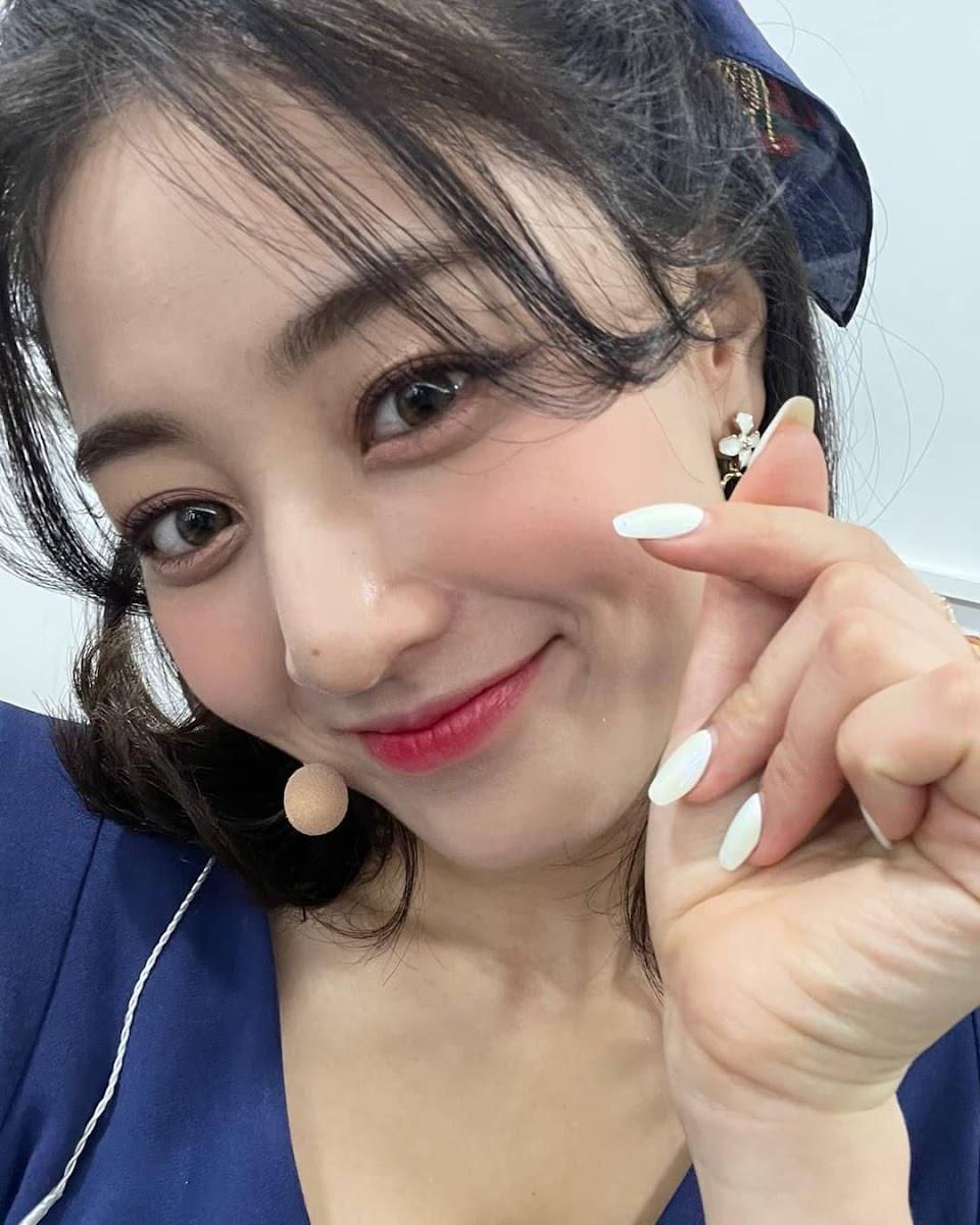 jihyo nail