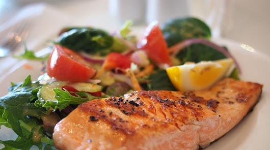 El mejor menú para el viernes: pescado a la plancha y doble ración de aguacate