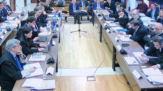 Sesión de cuestiones previas, con Enciso y Alemán arriba a la derecha