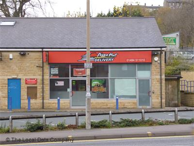 Pizza Hut Delivery On Wakefield Road Pizza Takeaway In