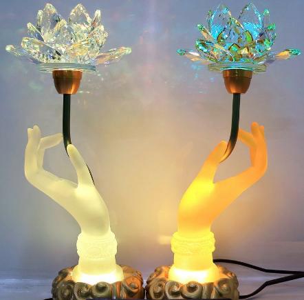 Đèn thờ cúng pha lê bàn tay Phật