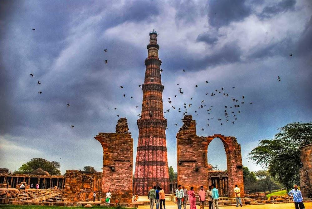 top-historical-places-india-qutub-minar