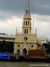 Photo: The only Christian church we saw in Thailand. Of course 90% of the population are Budhist, and the next largest group are Hindu.