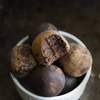 No Bake Chocolate Fudge Protein Truffles