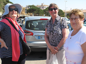 Photo: Roberta Hardy, Ronnie Shorten and Phyllis Hamilton in the carpark at St. Tropez ready to storm the market