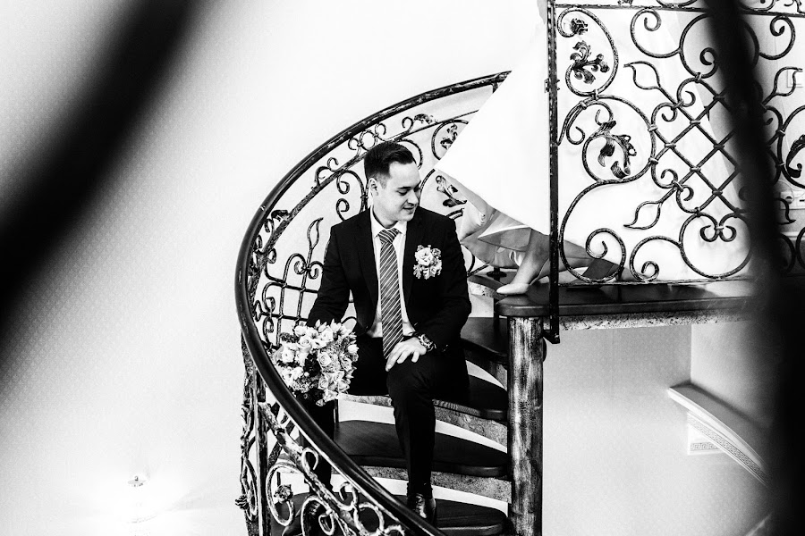 Wedding photographer Dmitriy Besov (Zmei99). Photo of 11.10.2018