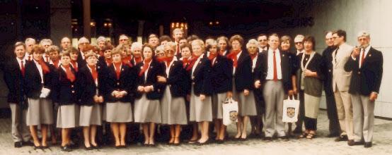 Photo: NÆSTVED-KORET foran Gjøvik Rådhus, Norge 1984