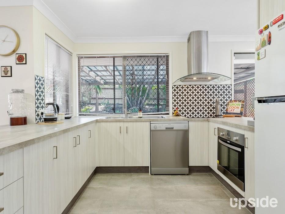Main photo of property at 2 Valentino Close, Parkwood 4214