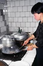 Photo: 03543 土城子/食堂/ユウマイ押し出し麺作り