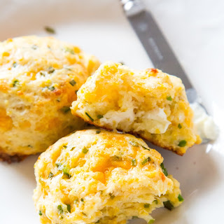Crazy Addictive Cornmeal Biscuits With Cheddar, Chives and Jalapeños.