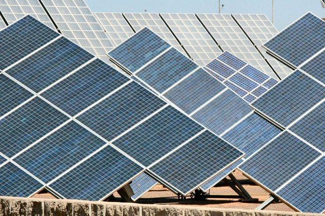 solar-panels-1576178-639x426.jpg