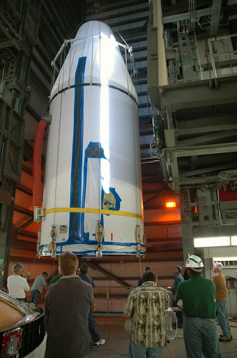 On Launch Complex 37 the GOES-N satellite is demated and lifted from its Boeing Delta IV rocket.
