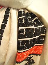Photo: Буковина вишивка низинкою (помаранчевий) та крученим швом (по-моєму, стебнівкою) (чорний) видно фактуру буковинської перемітки