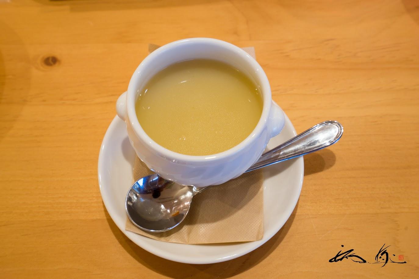 大地のスープ:真昆布出汁と馬鈴薯のスープ