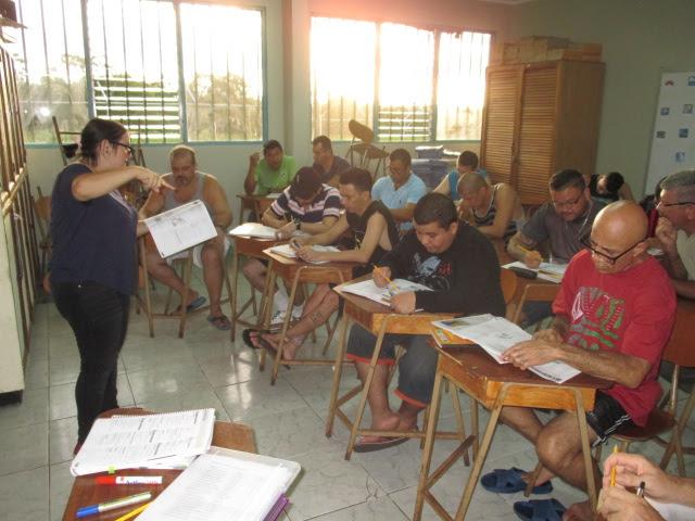 UNED IMPARTE CURSO DE INGLÉS A 23 ESTUDIANTES UNIVERSITARIOS EN LA CÁRCEL DE SAN CARLOS