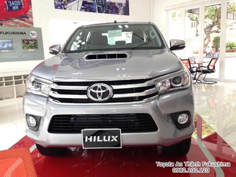 Khuyến Mãi Giá Xe Ôtô Bán Tải Toyota Hilux 2015 Nhập Khẩu Thái Lan 2
