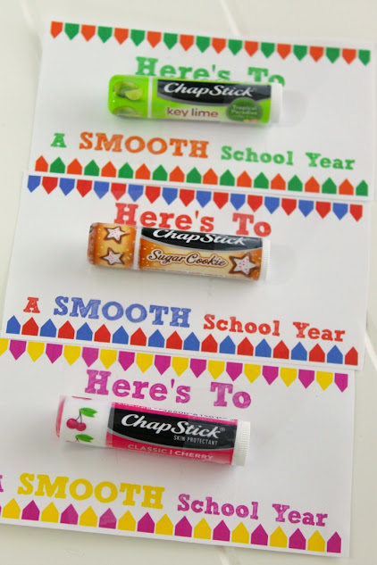 "Easy First Day of School Gifts - ""Here's to a Smooth Year"" free printables"