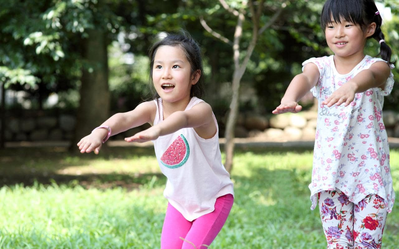 Rèn luyện cho trẻ tập thể dục thường xuyên