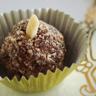 Chocolate Almond Cheesecake Truffles