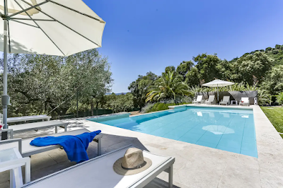 EXCEPTIONAL 320M2 BASTIDE OVERLOOKING THE GULF OF ST TROPEZ
