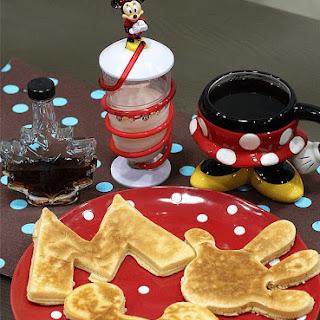 Fun Snacking with Maya Fun Cakes