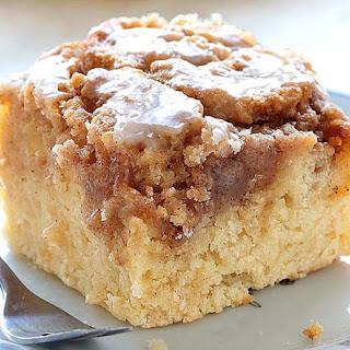 Easy Cinnamon Roll Coffee Cake Recipe
