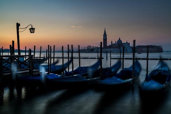Cullate dalla laguna   - Venezia - di aliscaforotto