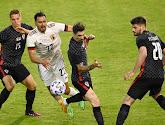 """Roberto Martinez neemt het op voor defensie en Nacer Chadli: """"Unieke voetballer"""""""