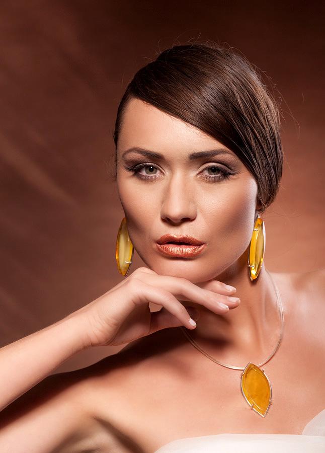Jewellery photoshoot by Pawel Wodnicki - People Fashion