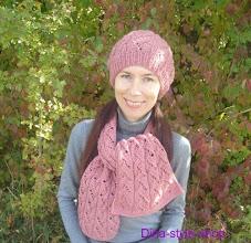 Photo: женский вязаный комплект шапка и шарф Роза