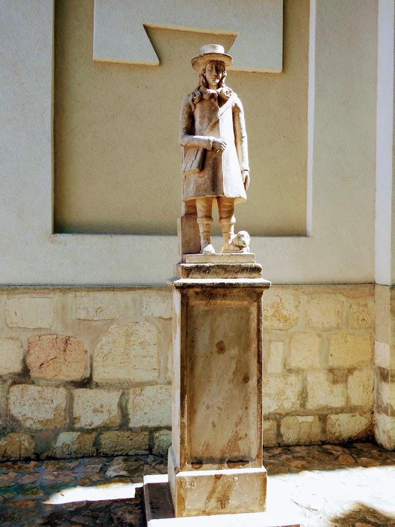 Pusztavám - Szent Vendel-szobor a templom előtt